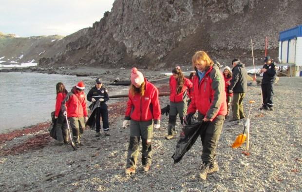 Limpieza de Playas. Antártica