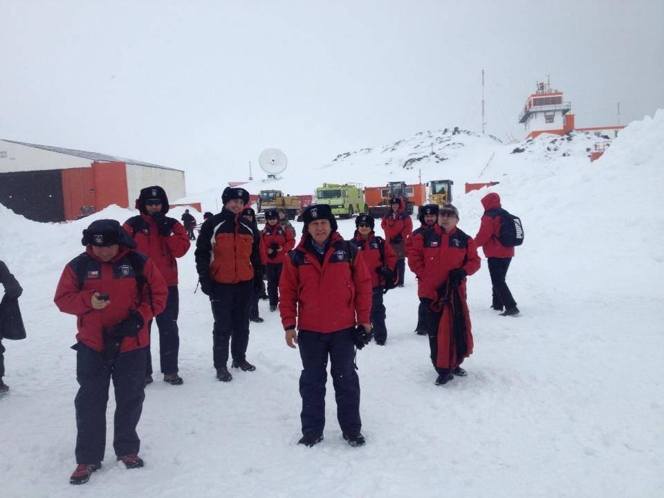 Diputados en la Antártica. Crédito Foto@sandovalplaza