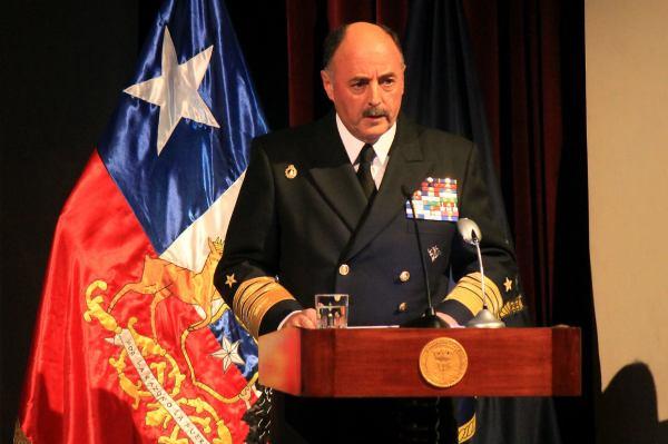 Almirante Enrique Larrañaga. Fotografía Luisa Villablanca