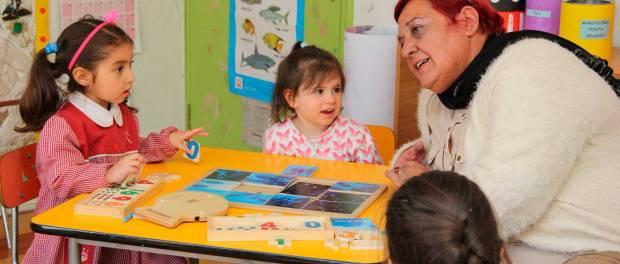 Directora regional junji valor aporte intercultural del for Postulacion jardin junji 2016