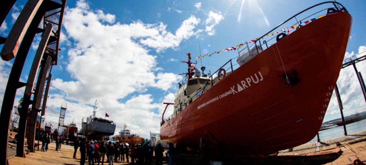 The Clinic asegura que la primera nave científica chilena inaugurada en 2015 nunca logró llegar a la Antártica